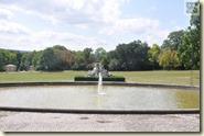 Wasserspiele vor dem Schloss mit Nymphengruppe